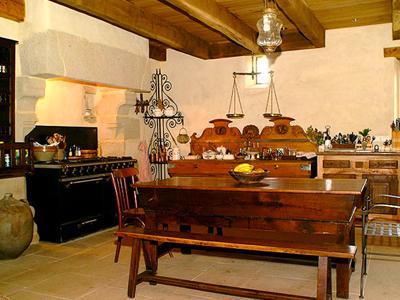 Sols chauffants/murs isolés avec un enduit Chaux/Chanvre couvert d'un enduit Chaux/Sable